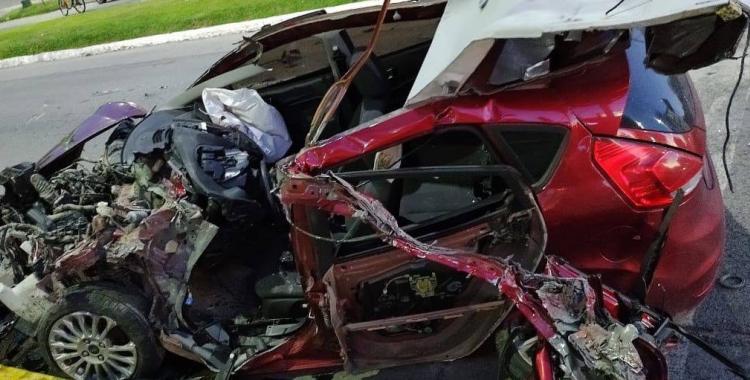Imágenes impactantes: Un joven se encuentra en grave luego de protagonizar un accidente en Yerba Buena   El Diario 24