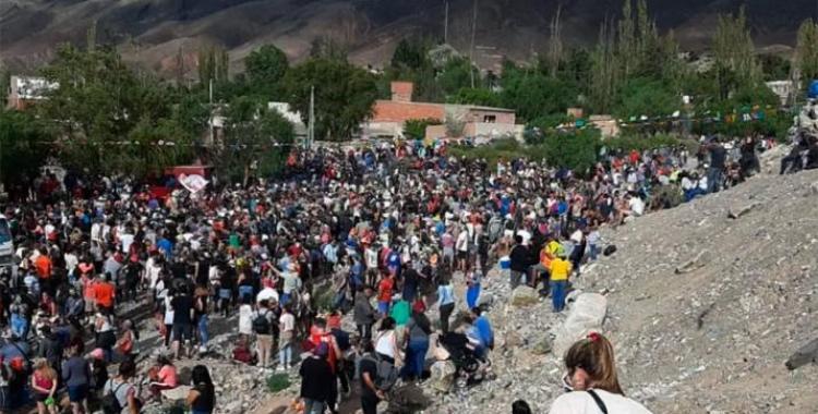 VIDEO Indignación en los médicos de Jujuy por la multitud que se volcó a las calles a celebrar el Carnaval | El Diario 24