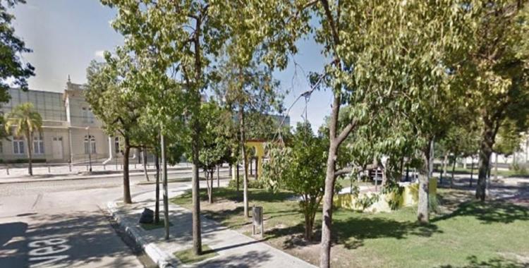 Un policía federal que viajaba a Tucumán, se bajó en Santiago del Estero y se mató en una plaza | El Diario 24