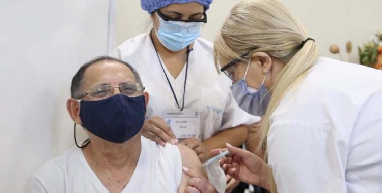 Recomiendan a los vacunados contra el covid seguir cuidándose al menos durante dos semanas | El Diario 24