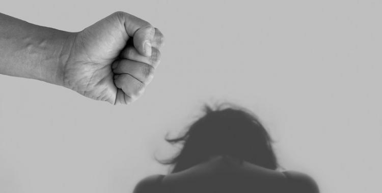 Detuvieron al hombre que le pegó a su expareja y le provocó la pérdida del embarazo | El Diario 24