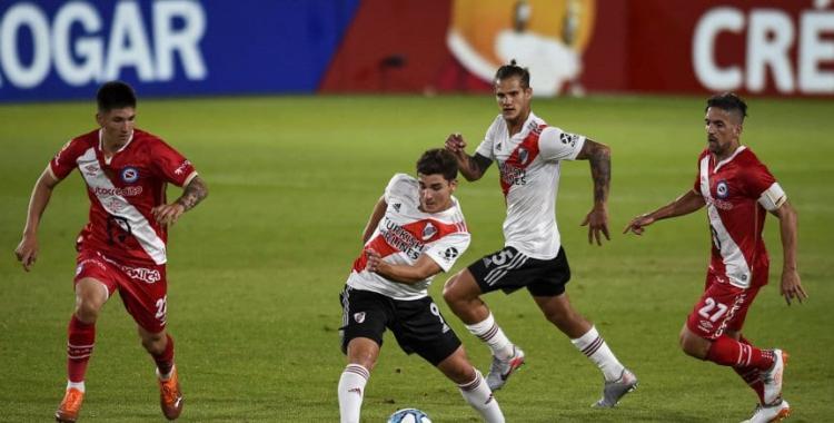 River buscará seguir por la senda del triunfo cuando reciba hoy a Argentino: mirá las formaciones | El Diario 24