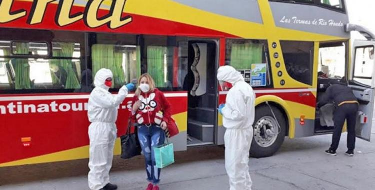 Semana Santa: así serán los controles de protocolos por covid-19 en pasos fronterizos, terminales de ómnibus y trenes | El Diario 24