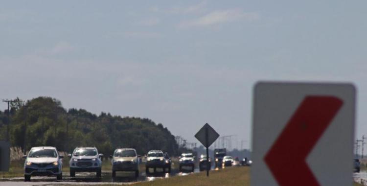 Vuelta a casa: intenso movimiento vehicular en las rutas con demoras de hasta dos horas | El Diario 24