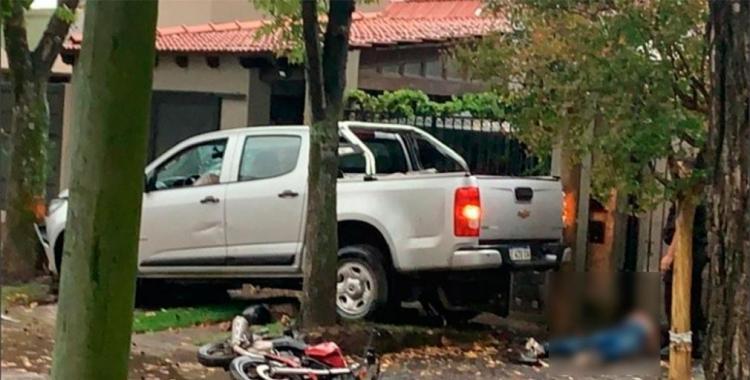 Un joven fue asaltado por motochorros y los persiguió y arrolló con su camioneta matando a uno de ellos | El Diario 24