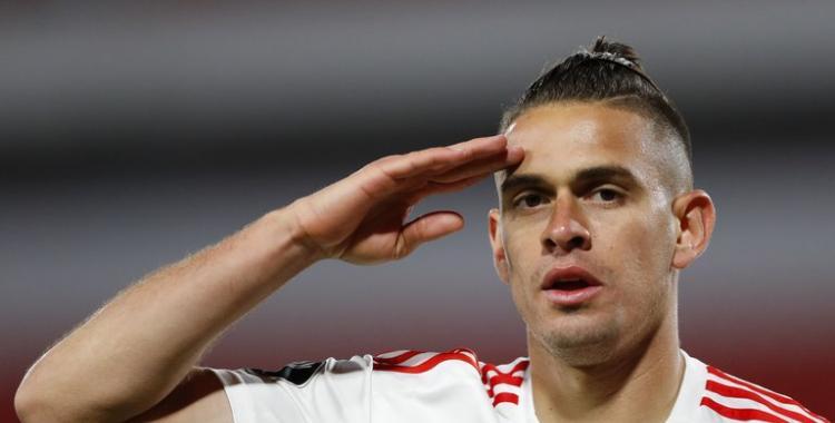 La carrera por fichar a Rafael Santos Borré sumó el interés de un poderoso club europeo   El Diario 24