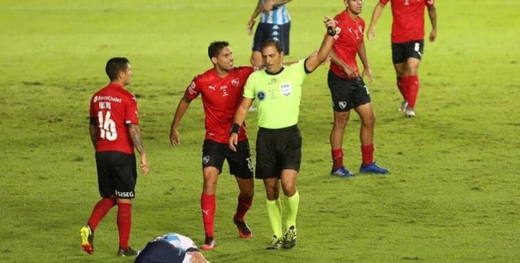 VIDEO Tomaron la decisión de parar a Mauro Vigliano después de su error en el clásico de Avellaneda   El Diario 24