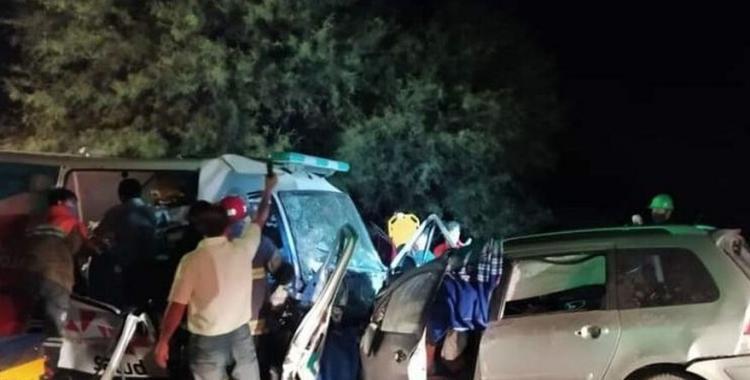 Choque frontal entre un automóvil y una ambulancia dejó como saldo 9 muertos | El Diario 24