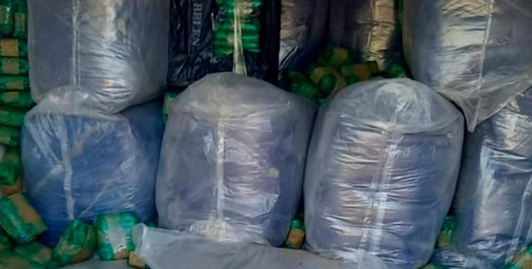 Demoraron a dos jóvenes que transportaban más de una toneladas de hojas de coca en su camioneta | El Diario 24