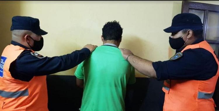 Policías asistieron a niño que deambulaba pidiendo auxilio para su madre golpeada por su pareja | El Diario 24