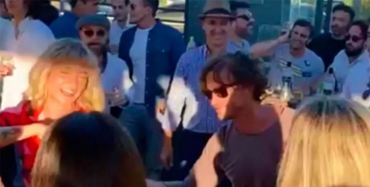 VIDEO Un funcionario del gobierno fue filmado bailando en una fiesta clandestina y causó indignación   El Diario 24