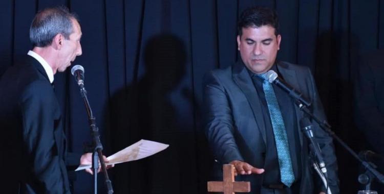 Imputan a pastor evangélico que reunió a 300 personas en su templo y ahora dio Covid-19 positivo | El Diario 24