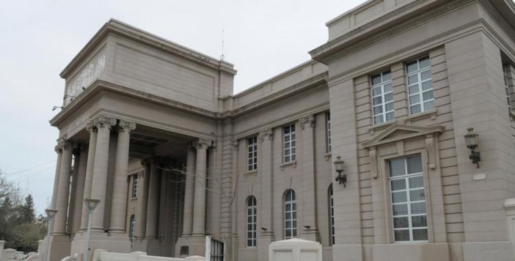 Revés para el hijo de una diputada acusado de millonaria defraudación por el robo de insumos médicos | El Diario 24