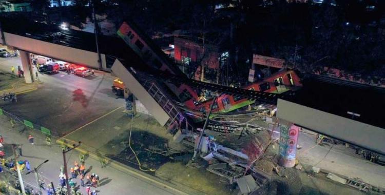 VIDEO: El momento exacto en el que se derrumbó un puente en México y causó al menos 23 muertes | El Diario 24
