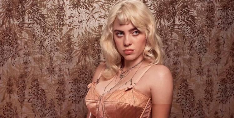 Quién es la rubia cantante que revoluciona las redes sociales tras protagonizar la portada de Vogue | El Diario 24