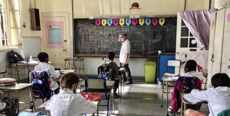 Aportan a la Justicia chats de un colegio en donde alertan sobre numerosos casos de Covid-19   El Diario 24