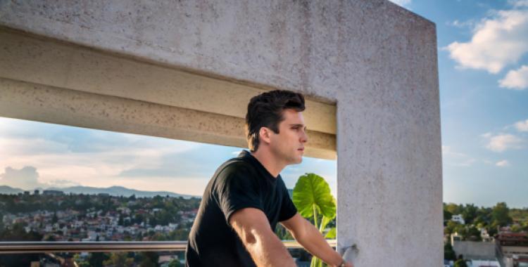 VIDEO Alerta Spoiler: La segunda temporada de la serie de Luis Miguel llega a su fin y esto se verá | El Diario 24