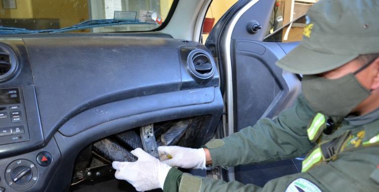 Narco intentaba cruzar el país con 21 kilos de cocaína ocultos en su automóvil | El Diario 24