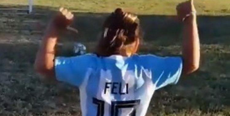 El mensaje que Lionel Messi le dedicó a Felicitas, la nena que se grabó haciendo jueguitos con la pelota   El Diario 24