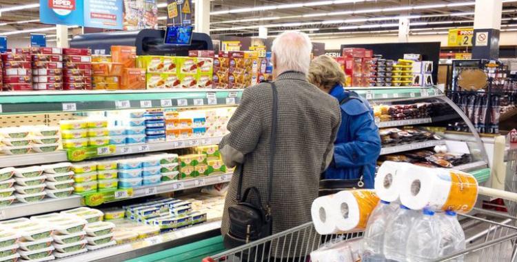 El Gobierno lanzó Súper Cerca, un programa con 70 productos de la canasta básica a precios congelados | El Diario 24