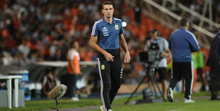 Scaloni dejaría fuera de la Copa América a dos jugadores que suele usar como titulares   El Diario 24