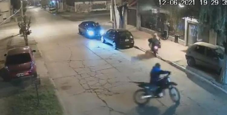 VIDEO Una familia vivió momentos de pánico cuando motochorros les dispararon para robarles un auto   El Diario 24