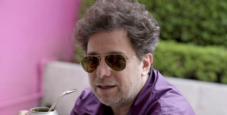 Andrés Calamaro estrenó el video de Mi bandera junto a León Gieco y un homenaje a Maradona | El Diario 24