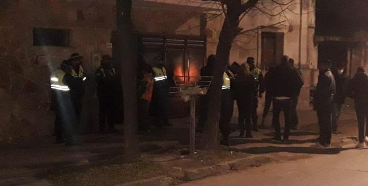 VIDEO Desarticulan una fiesta clandestina con más de 100 personas en Villa Alem   El Diario 24