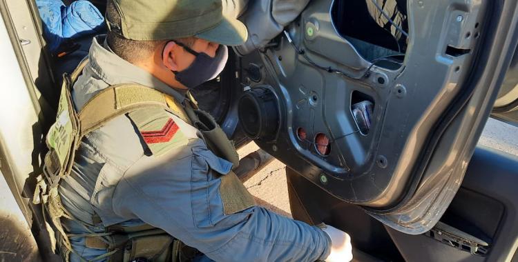 Llevaba más de 14 kilos de cocaína ocultos en su camioneta y fue descubierto por Gendarmería | El Diario 24