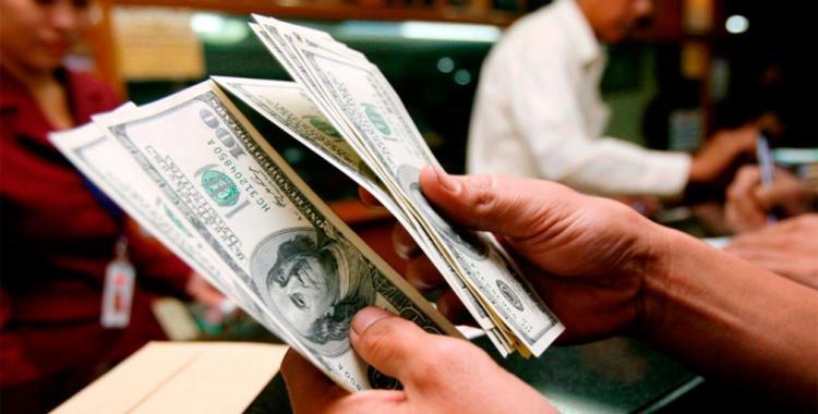 El dólar blue cerró este martes sin cambios en su precio | El Diario 24