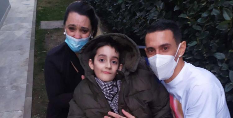 VIDEO El emocionante gesto de Di María con un pequeño fan que padece una enfermedad medular   El Diario 24