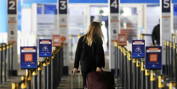 Al menos 15 personas contagiadas con la variante Delta ingresaron al país | El Diario 24