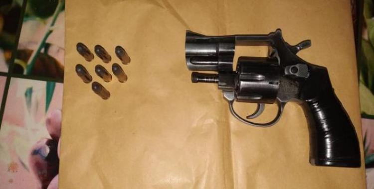 Barrio Chivero: Violento asalto, allanamiento y secuestro de armas de fuego | El Diario 24