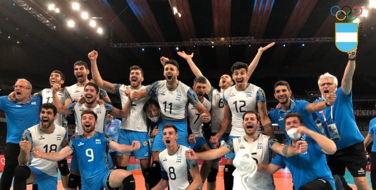 VIDEO La Selección Argentina de Vóley logró un triunfo histórico y sueña con una medalla: La intimidad del festejo | El Diario 24
