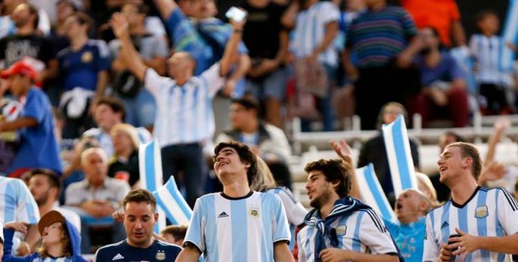 Vuelve el público a las canchas: Argentina - Bolivia se jugará con un aforo del 30%   El Diario 24