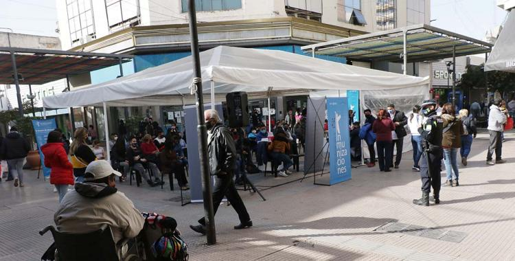 Vuelven los testeos y vacunación a la peatonal Mendoza y Muñecas   El Diario 24