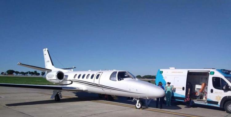 Se trasladó en avión a un niño con cáncer terminal | El Diario 24