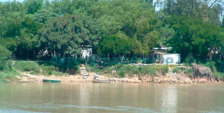 Un niño murió ahogado al caer a un río y ahora la policía busca a su hermano | El Diario 24
