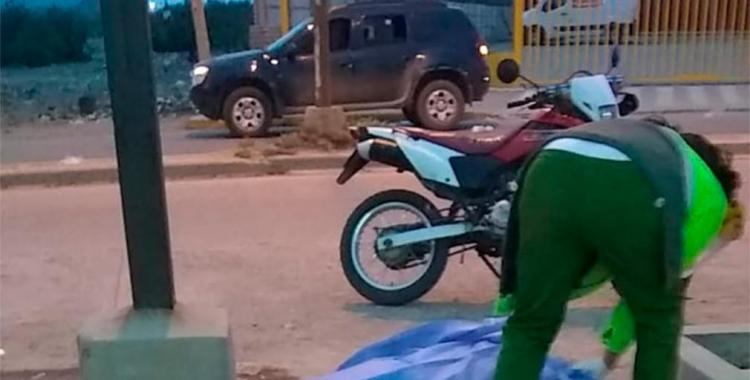 Un motociclista murió en el acto al perder el control y chocar contra una columna | El Diario 24