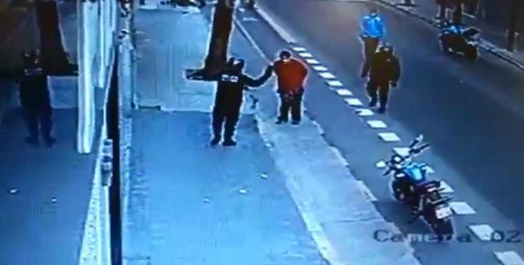 VIDEO Suspenden el juicio al policía que le pegó una patada a un santiagueño y le provocó la muerte   El Diario 24