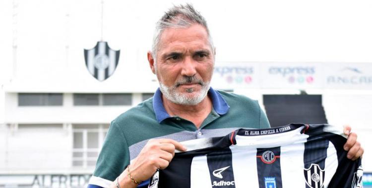 Comienza la era Huevo Rondina en Central Córdoba: El flamante DT firmó su contrato | El Diario 24