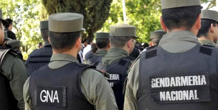 Gendarmes delincuentes: Tres efectivos asaltaron a una joven y le apuntaron con el arma a su hija   El Diario 24