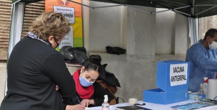 Operativo de vacunación antigripal para docentes   El Diario 24