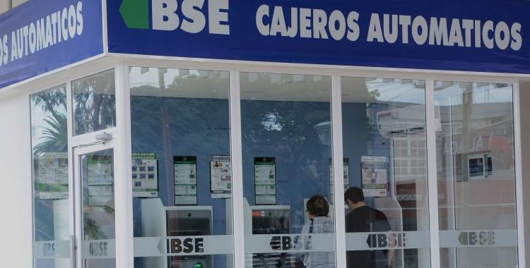 Denuncian fallas en el home banking y los cajeros automáticos del Banco Santiago del Estero   El Diario 24
