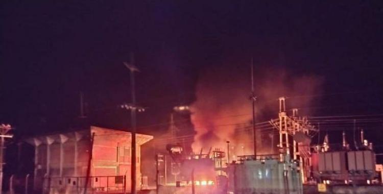 Luego de un incendio en una estación transformadora, EDET trabaja para reestablecer el servicio   El Diario 24