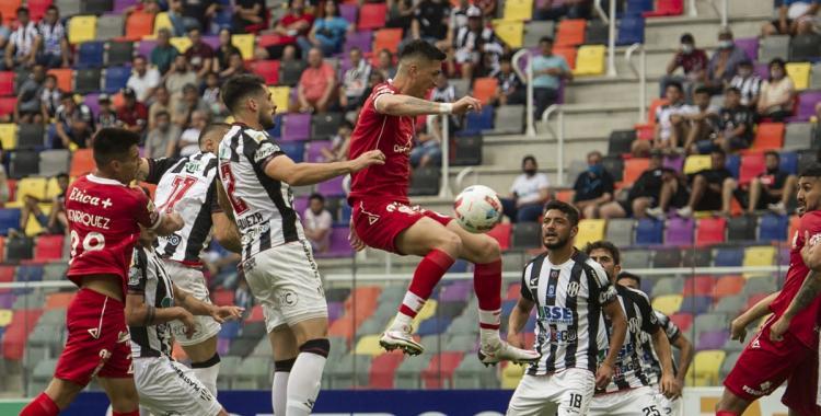 Central Córdoba sufrió una nueva derrota ante Huracán y se hunde en la tabla de posiciones | El Diario 24