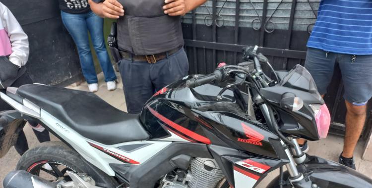 Secuestran motos y un arma usadas por una peligrosa banda para cometer asaltos | El Diario 24