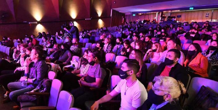Otorgan un nuevo bono de $5 mil para que los jóvenes vayan al cine y recitales: Mirá quiénes lo reciben   El Diario 24
