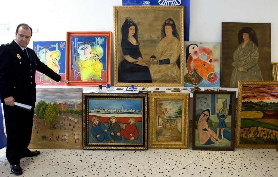 Incautaron 230 cuadros falsos que sus originales valen en total 7 millones de d lares el diario 24 - Baldas para cuadros ...