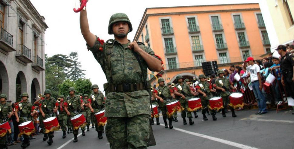 Resultado de imagen para bandas militares desfiles